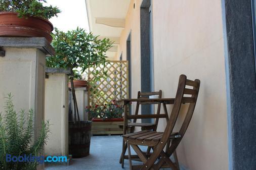 Hotel Il Grappolo D'Oro - Monforte d'Alba - Balcony