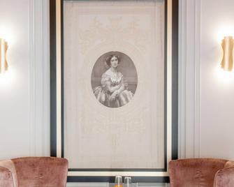Eugenia de Montijo Autograph Collection - Толедо - Building