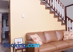 Bambury's Hillside Chalets - Rocky Harbour - Living room
