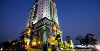 Sea Stars Hotel - Hải Phòng - Edificio