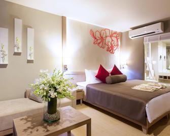 Sensimar Khaolak Beachfront Resort - Khao Lak - Makuuhuone