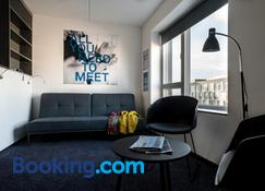 Cabinn Apartments - Copenhagen - Living room