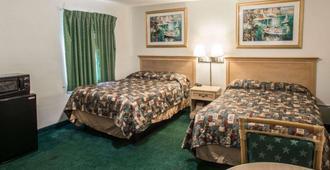 Rodeway Inn Fort Pierce Us Highway 1 - Fort Pierce - Bedroom