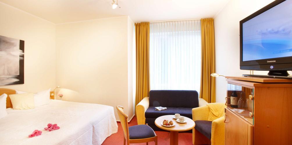 Hotel Danischer Hof Altenholz By Tulip Inn Altenholz Compare Deals