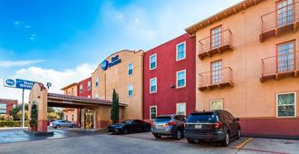 Best Western Market Center - Dallas - Rakennus