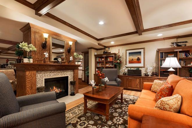 Country Inn & Suites by Radisson, Texarkana TX - Texarkana - Σαλόνι