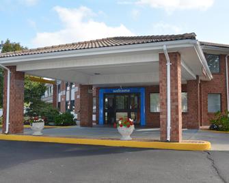 Motel 6 Newport, RI - Ньюпорт - Building