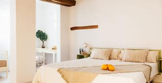 Ottoh Charm Stay - Valencia - Bedroom