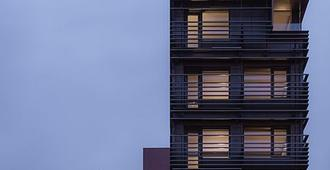 Sago Hotel - New York - Building
