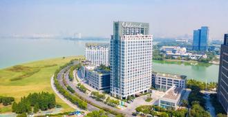 Oakwood Hotel & Residence Suzhou - Suzhou - Building