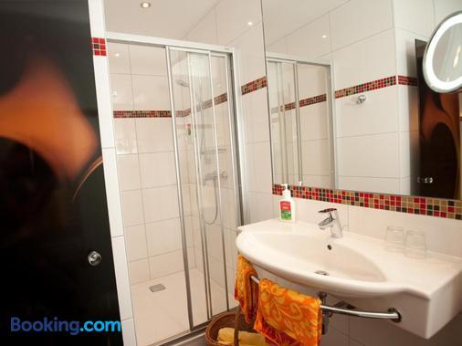 Hotel Praegant - Bad Kleinkirchheim - Bathroom
