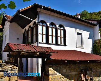 Hotel Bilyana - Loveci - Building