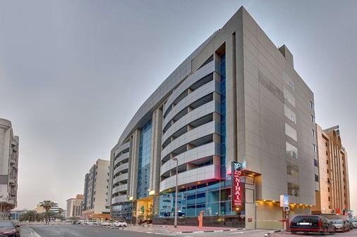 Golden Tulip Nihal Palace Hotel - Dubai - Building