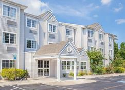 Microtel Inn & Suites by Wyndham Salisbury - Salisbury - Building