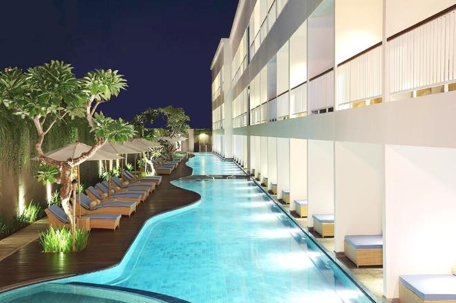 峇里島勒吉安奧索特爾酒店 - 雷根 - 庫塔 - 游泳池
