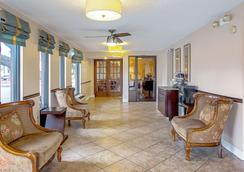 Quality Inn and Suites Live Oak - Live Oak - Lobby