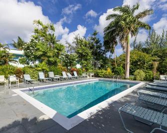 Palm Garden Hotel - Bridgetown - Piscina