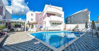 Hotel ZaDaR - Zadar - Pool