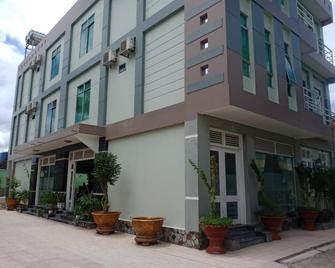 Khach San Truong Thinh - Bến Tre - Building