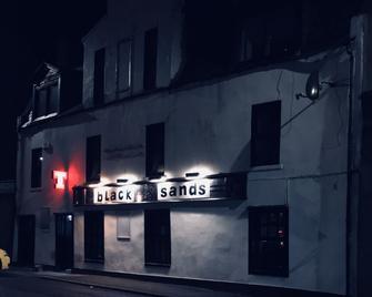 Blacksands B&b An Bar - Фрейзербург - Building
