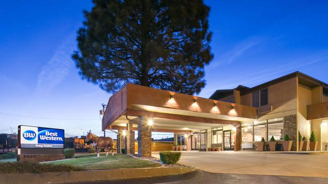 Best Western Pony Soldier Inn & Suites - Flagstaff - Κτίριο