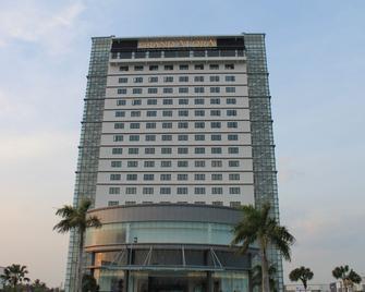 Grand Alora Hotel - Алор Сетар - Будівля