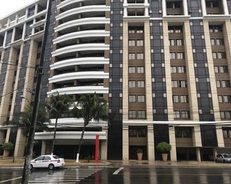 Hotel Faro Inn Salvador - Salvador - Building