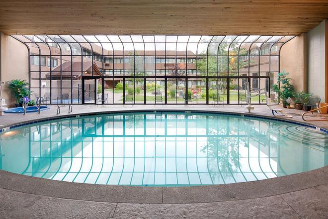 Red Lion Hotel Kalispell - Kalispell - Pool