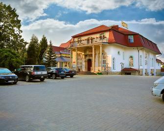 Hotel Garden - Bolesławiec - Edificio