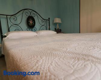 Locanda La Petite Maison - Adria - Schlafzimmer