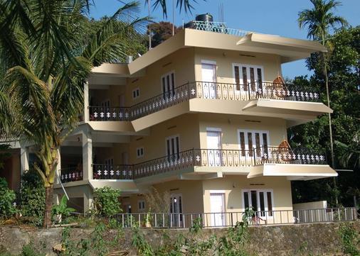 Jungle Palace Homestay - Thekkady - Κτίριο