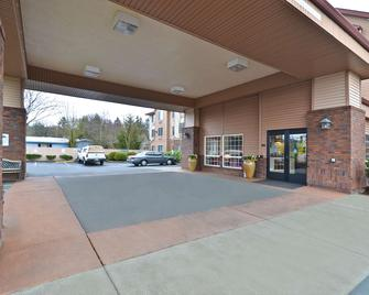 Best Western Plus Park Place Inn & Suites - Chehalis - Gebouw