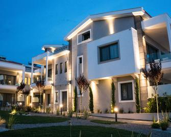Costa Domus Blue Luxury Apartments - Nikiti - Edificio