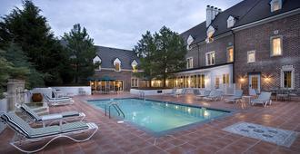 Wedmore Place - Williamsburg - Pool