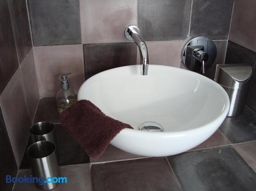B&B La Ruelle - Profondeville - Bathroom