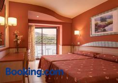 H·top Calella Palace & Spa - Calella - Bedroom