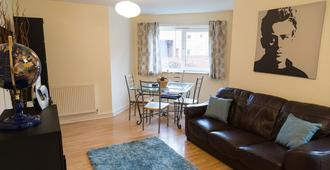 3 bed cosy apartment in excellent South Manchester location - Manchester - Wohnzimmer