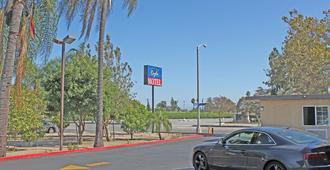 Royla Motel - Pomona - Building