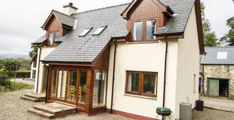 Torcastle House Bed And Breakfast - Fort William - Building
