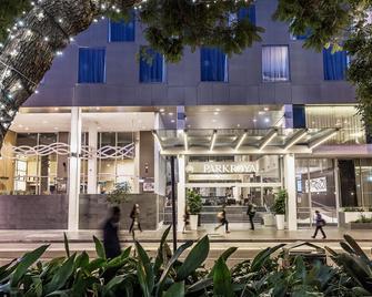 Parkroyal Parramatta - Parramatta - Gebouw