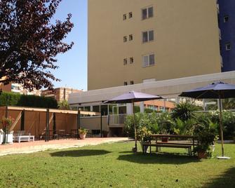 Estrella de Mar Youth Hostel - Calella - Gebäude