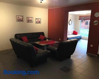 Ferienwohnung - Kurz - Saint Wendel - Wohnzimmer