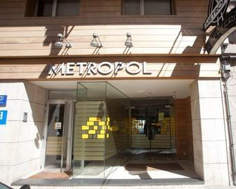 Metropol By Carris - Lugo - Building
