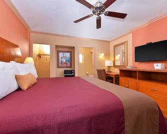 Americas Best Value Inn Porterville - Porterville - Bedroom
