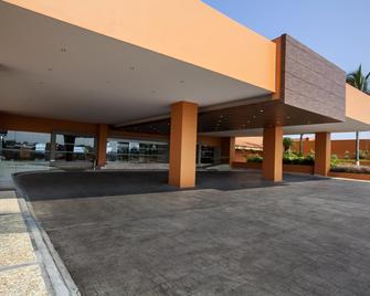 Grand Fiesta Americana Veracruz - Веракруз - Building