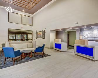 Holiday Inn Express Hotel & Suites Greenville Airport - Greer - Lobby