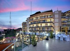 Protea Hotel by Marriott Kampala Skyz - Kampala - Bygning