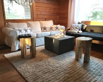 Iken Mökit - Heinola - Living room