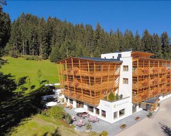 Hotel Melodia Del Bosco - Badia/Abtei - Building