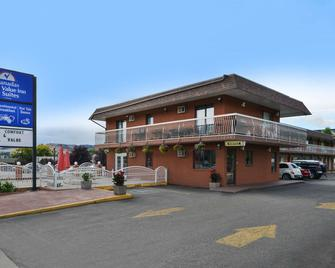 Canadas Best Value Inn & Suites-Vernon - Vernon - Building